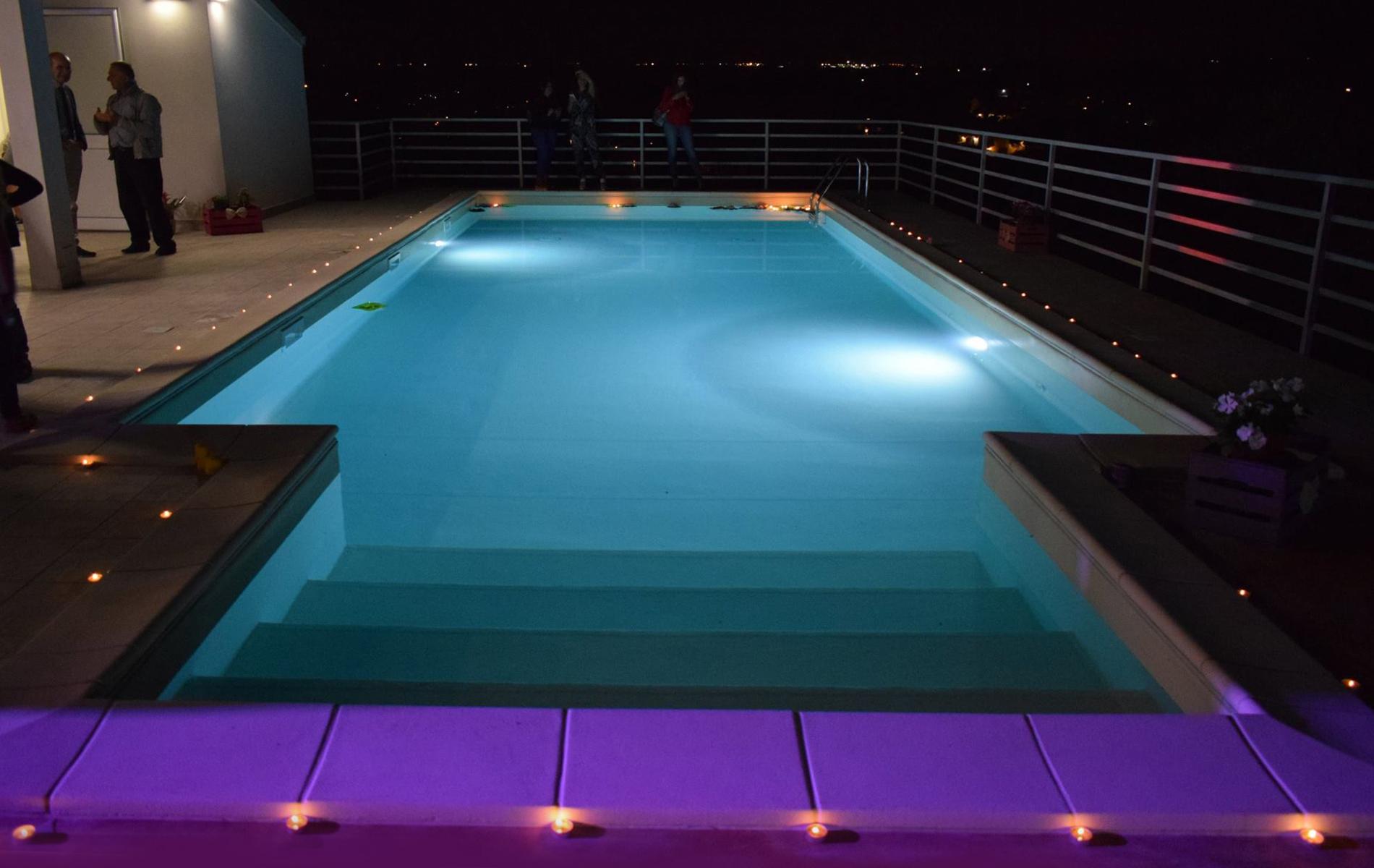 Villa Con Piscina A Modica Ti Aspettiamo Anche Ospiti Esterni 0932 453536 366 4638488